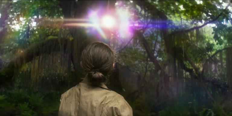 Natalie Portman seeing colored light in Annihilation