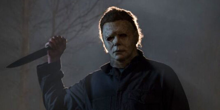 Michael Myers with knife in Halloween