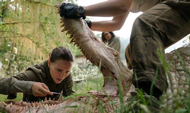 Natalie Portman investigating alligator in Annihilation