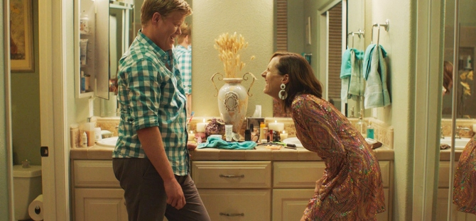 Jesse Plemmons and Molly Shannon laughing in Other People