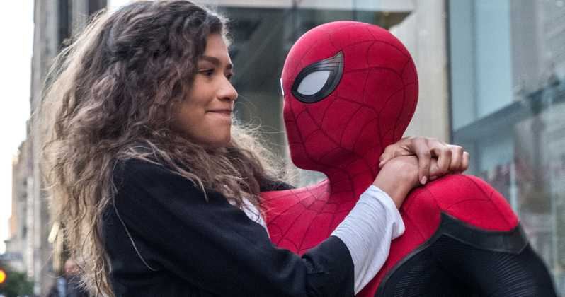 Spider-Man carrying Zendaya as Mary Jane in Spider-Man Far From Home