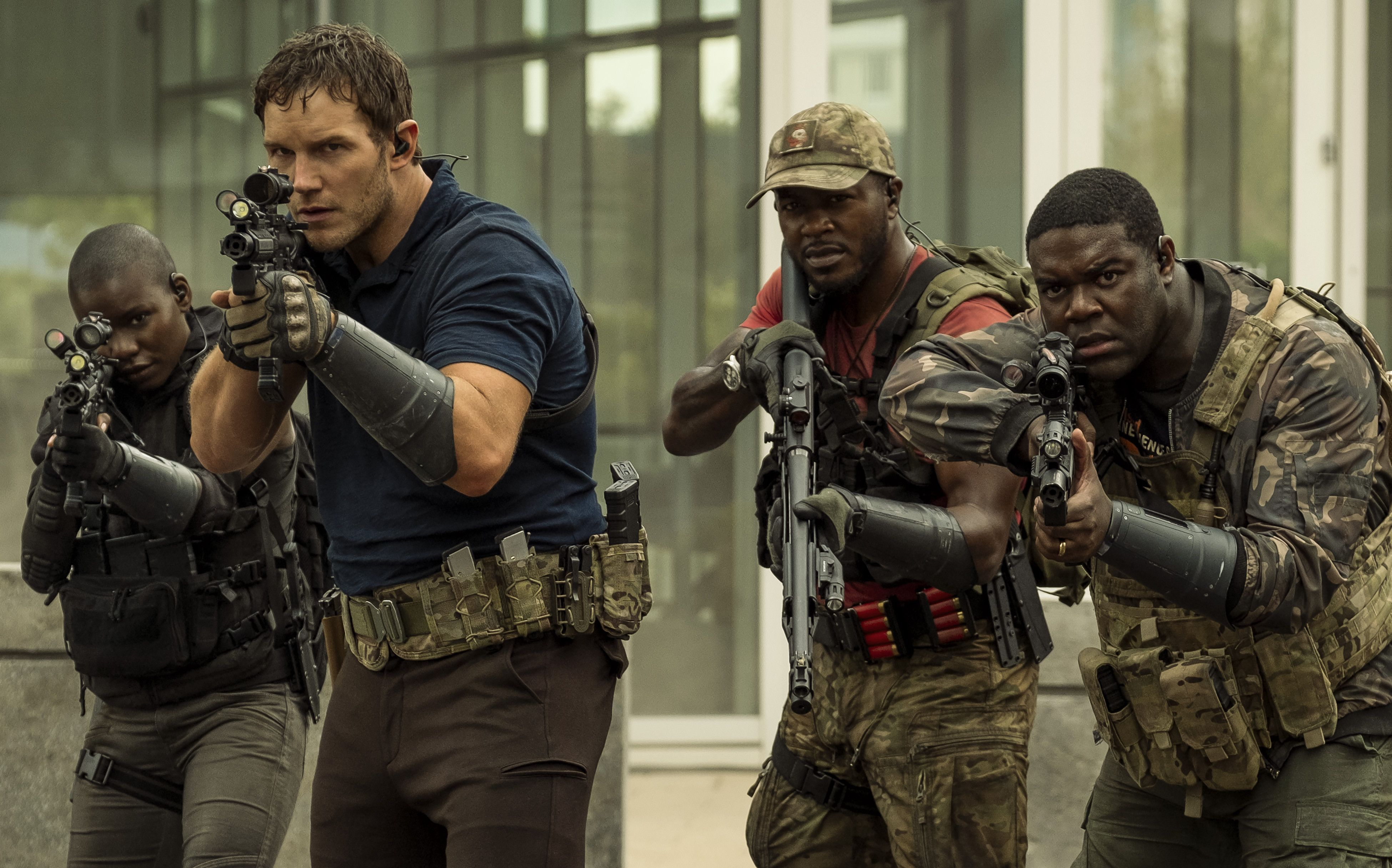 Chris Pratt and soldiers in The Tomorrow War